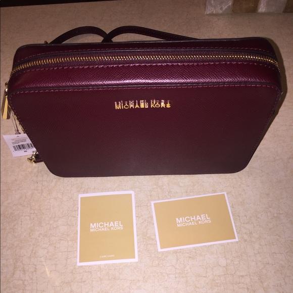 39701c92563891 Michael Kors Bags   Jet Set East West Leather Crossbody   Poshmark